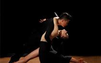 跳交谊舞怎样踏准节拍 交际舞怎么跳比较好