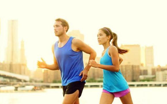 冬天跑步是室内还是室外好 冬天室外跑步穿什么衣服